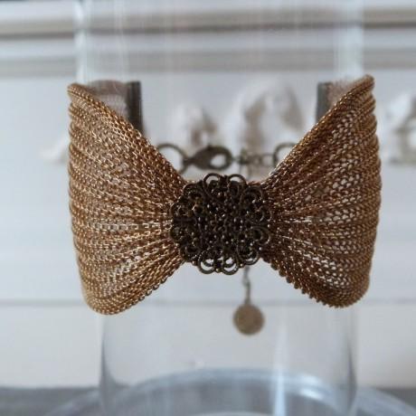 Bracelet manchette large cotte de maille or vieilli