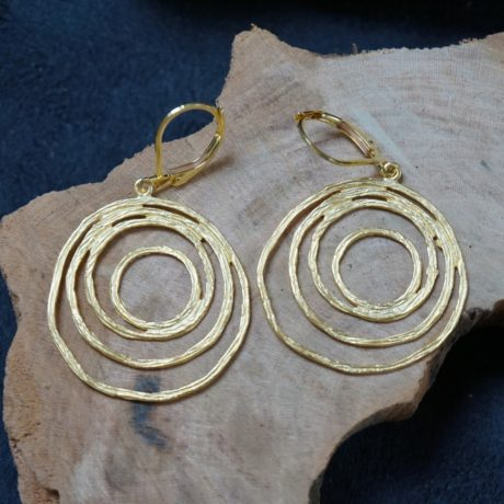 Boucles d'oreilles dorées à l'or fin mat