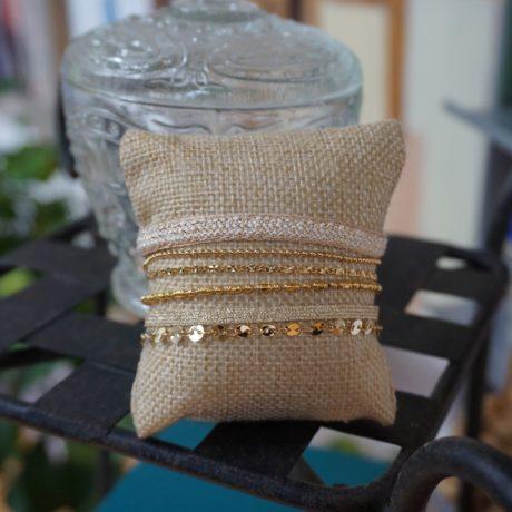 bracelet manchette or rubans blanc cassé